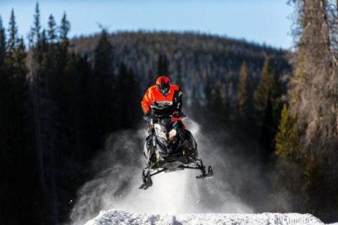 2016-ski-doo-MXZ-X-RS_0002_MY16