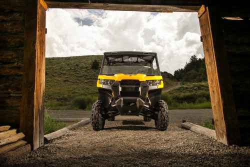 2016 Can-Am Defender DPS Yellow - Barn 3-min