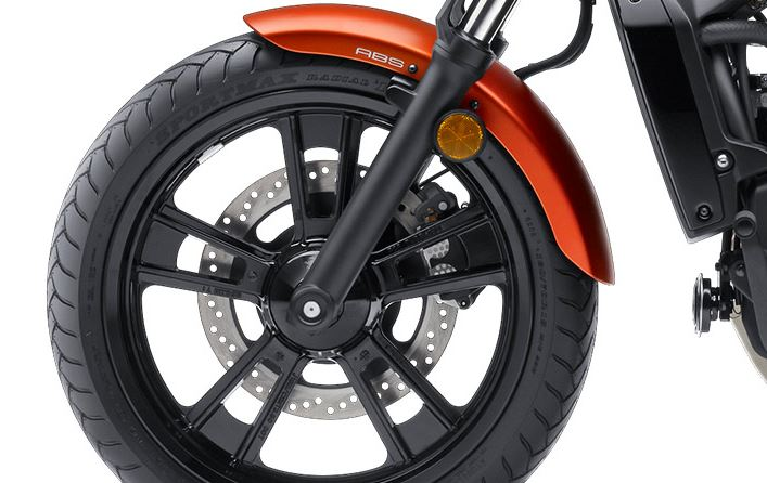 2016-kawasaki-vulcan-s-abs-wheels