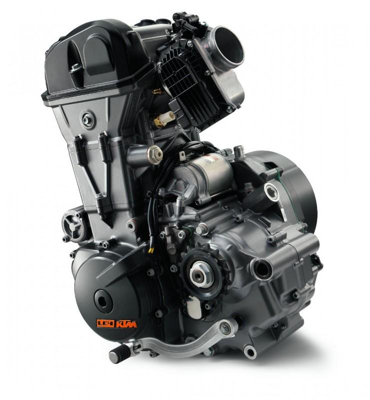 2016-KTM-DUKE-690-engine