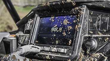 polaris-main-command-glove-touch-capability-off-road-ready-display